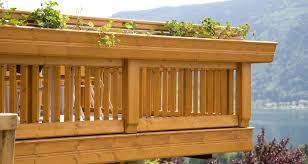 blumenkasten holz balkon holz design brixen leeb balkone und zäune
