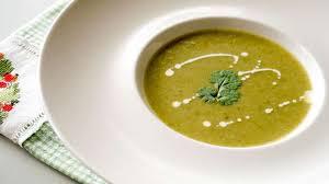 cuisiner des fanes de radis potage aux fanes feuilles de radis recette de soupe aux fanes de
