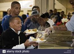 thanksgiving dinner for homeless stock photo 9978166 alamy