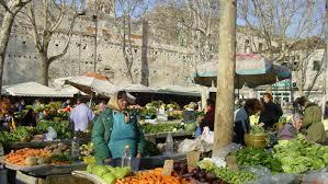 simply market siege social croatia our markets are going out of season voxeurop eu european