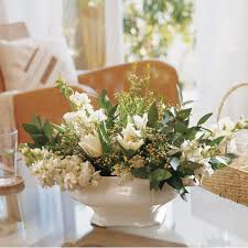 coffee table floral arrangements 26 stylish and practical coffee table decor ideas digsdigs