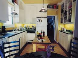 Kitchen Yellow Walls White Cabinets by Kitchen Yellow Walls White Cabinets Monsterlune