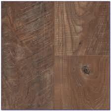 Vinyl Click Plank Flooring 28 Vinyl Plank Flooring Underlayment Stick On Floor Tiles