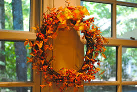 mini thanksgiving decorations for the home with leaf pattern