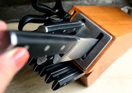 self sharpening kitchen knives calphalon self sharpening knife set giveaway the realistic