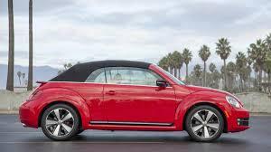 pushing a 2014 volkswagen beetle 2013 volkswagen beetle convertible tdi review notes autoweek