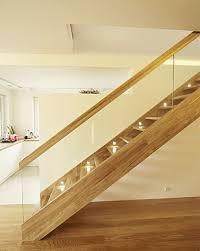 gerade treppe gerade treppe aus polen maßgeschneiderte holztreppen zu