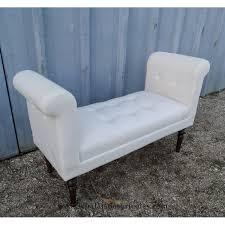 mini canapé canapé banquette moderne tapissée en blanc le palais des bricoles