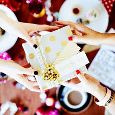 Appropriate Engagement Gift Engagement Etiquette 101 Everything You Need To Know Whowhatwear