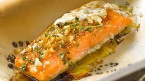 cuisine pavé de saumon saumon en papillote facile recette sur cuisine actuelle