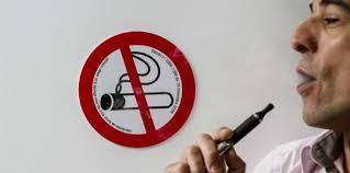 vapoter dans les bureaux e cigarette a t on le droit de vapoter au bureau challenges fr