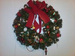 Homemade Christmas Wreaths by Elegant And Decorated Christmas Wreaths With Lights The Wondrous