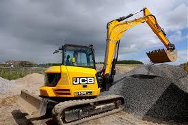 jcb celebrates 40 year loadall milestone project plant