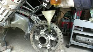 bmw motorcycle change bmw 1200gs drive change napęd główny wymiana oleju