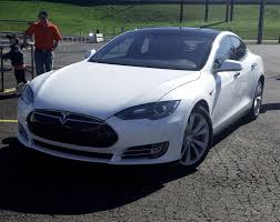 tesla model s regains top consumer reports rating after software