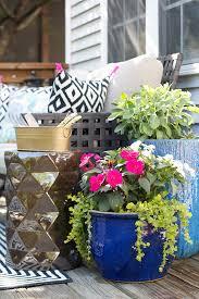 Challenge Flower Pot Colorful Updates To A Flower Filled Outdoor Living Room