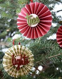 christmas paper medallion ornaments design dazzle