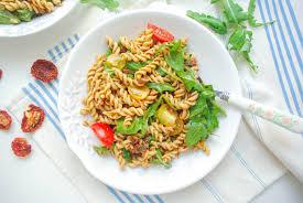 sun dried tomato pesto pasta salad heavenlynn healthy