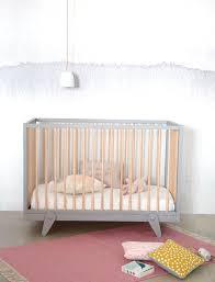 chambre bebe en bois chambre bebe blanc et bois unique lit de bébé 15 mod les tendance c