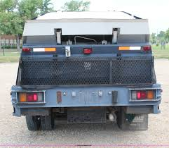 1999 isuzu npr sweeper truck item h6736 sold august 29