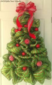 Decorating Christmas Wreath With Deco Mesh by Best 25 Christmas Mesh Wreaths Ideas On Pinterest Xmas Wreaths