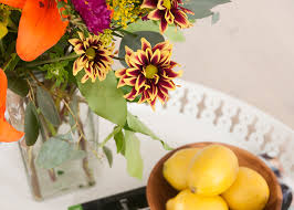 How To Make Floral Arrangements Beginner Blooms The Market Bunch Earnest Home Co
