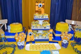 minions centerpieces minion party favor ideas despicable me 2 party with lots