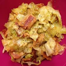 cuisine allemagne fried cabbage with bacon and garlic veggies