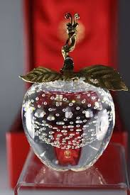 signed tsai glass apple paperweight controlled