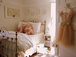 little bedroom decor