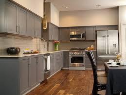 cuisine sol parquet tendance cuisine 50 exemples avec la couleur grise