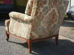 restaurer un canapé restaurer un canape en cuir 9 fauteuil ancien ameublement