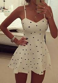 super cute dress love the sweetheart neckline black and