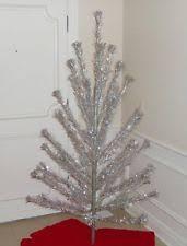 aluminum christmas tree vintage aluminium christmas tree ebay