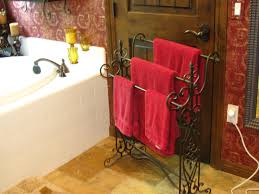 how to fold hanging bathroom towels