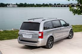 chrysler launches 30th anniversary editions of its minivans