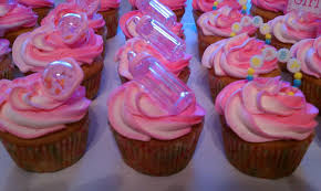 baby shower cupcakes girl introducing it s a girl cupcakes for s baby shower