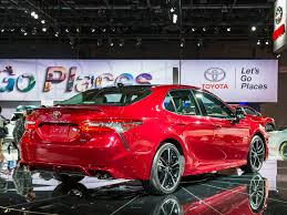 toyota camry 2019 2018 toyota camry new take on an old standby kelley blue book