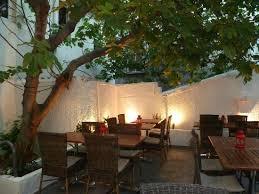chambre d hote frontignan le patio à l ombre d un vieux figuier photo de le goût des hôtes