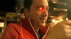 Cineasta canadense implanta câmera no lugar do olho