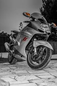 honda cbr 1100 37 best honda cbr 1100 xx super blackbird images on pinterest