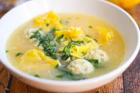 tortellini en brodo con polpetti italian meatball soup with