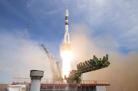 astronaut and cosmonaut launch to space station on russia u0027s soyuz
