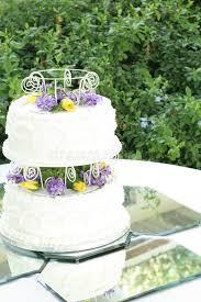 2 tier wedding cake on mirrored tiles stock photos image 14238533