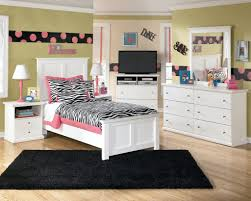 Childrens White Bedroom Furniture Bedroom White Full Queen Headboard Cream Polyster Core Mattress