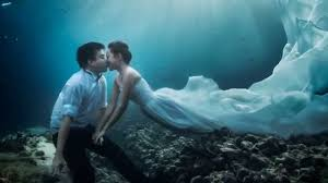 underwater wedding underwater pre wedding photoshoot pang zimmerman s