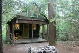 three tiny cabins to rent in the poconos propertyroom360