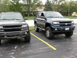 lifted next to a tahoe pic page 9 chevy trailblazer