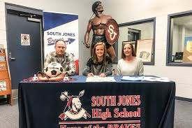 Meridian Schools Contests Gray Signs With Meridian Community S Soccer Sports 601