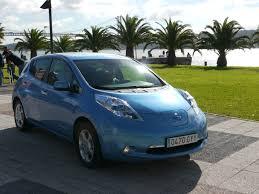 nissan leaf miles per charge epa rates 2011 nissan leaf at 99 mpge 73 mile range